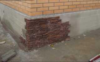 Отделка цоколя дома виниловым сайдингом, клинкерной плиткой, искусственным камнем и мозаичной штукатуркой