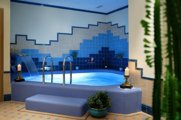 Про бассейн в подвале жилого дома