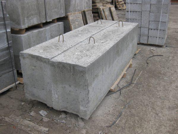 Про блоки цоколя для фундамента подвала