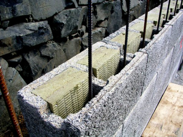 Погреб из шлакоблоков