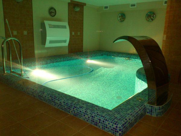 О бассейне в подвале дома