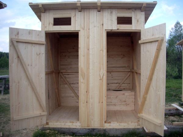 Туалет с кладовкой для дачи