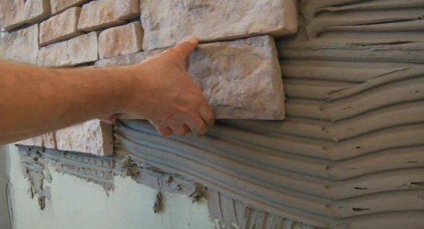 Как клеить камень на цоколь самостоятельно