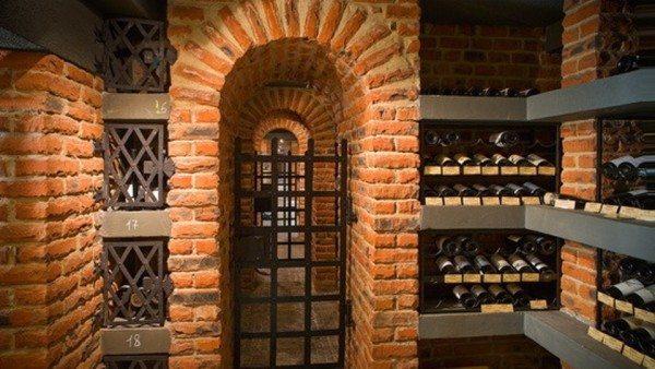 Кирпичное подземное помещение