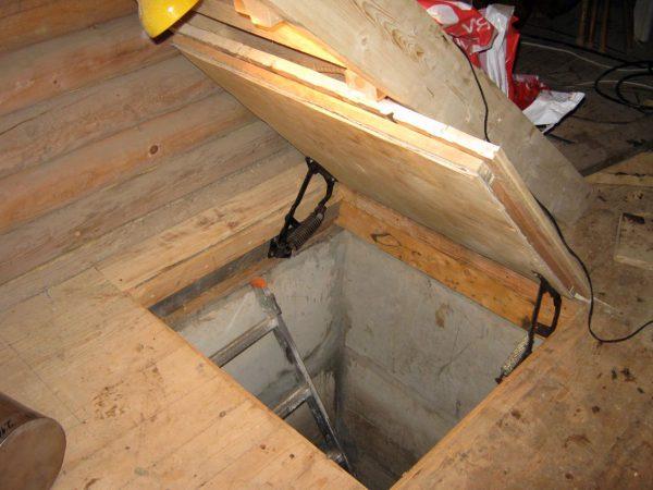 Погреб под домом