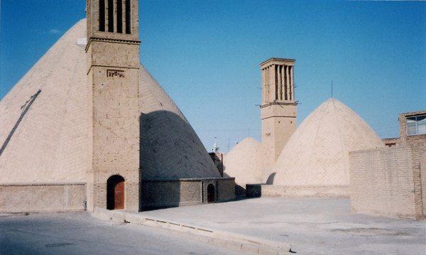 """""""Ловец ветра"""" - традиционная часть персидской архитектуры."""