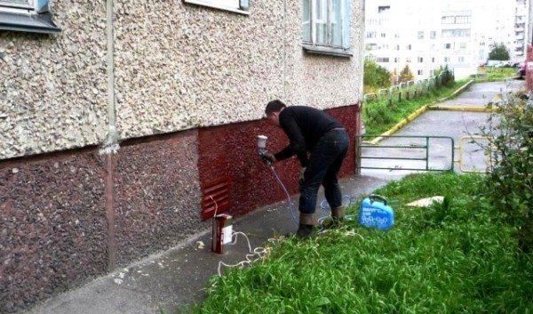Нанесения краски при помощи распылителя