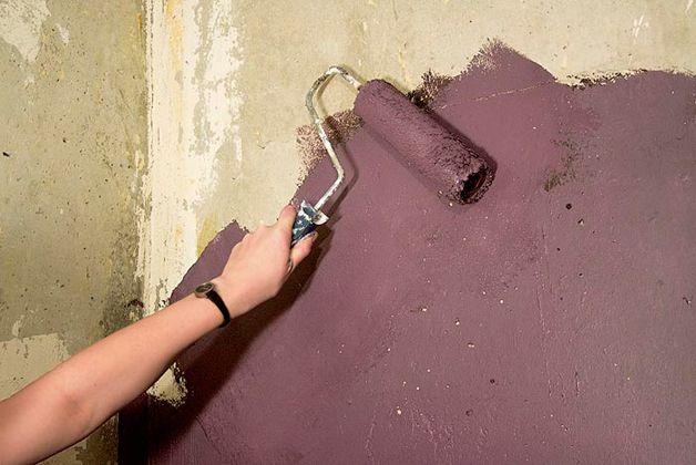 Покраска бетонной стены