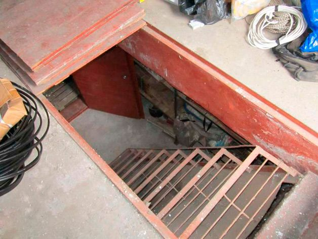 Погреб в гараже