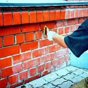 Покрытие плитки «под кирпич» гидрофобизаторами