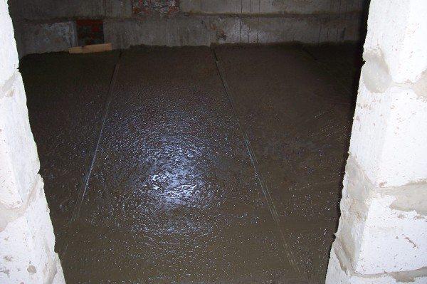 Пол в подвале должен защищать строение от неблагоприятных воздействий