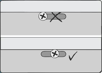 Расположение самореза в перфорационном отверстии.