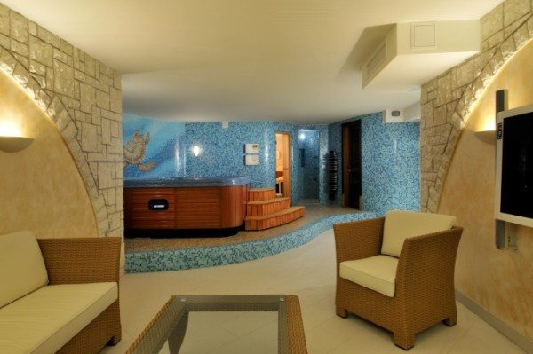 Сауна для ведения бизнеса в подвале частного дома.