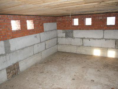 Сборный фундамент для дома с цокольным этажом