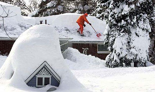 Уборка снега зимой